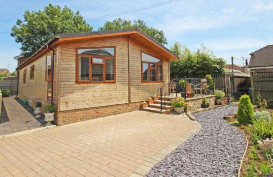 Tingdene Woodland Oak Lodge 44 x 22, Riverside Beeding